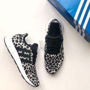 [ nib ] adidas Swift Run Sneakers